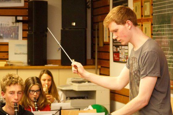 Tobias Obergföll leitet seit Januar 2016 das Jugendorchester Seelbach